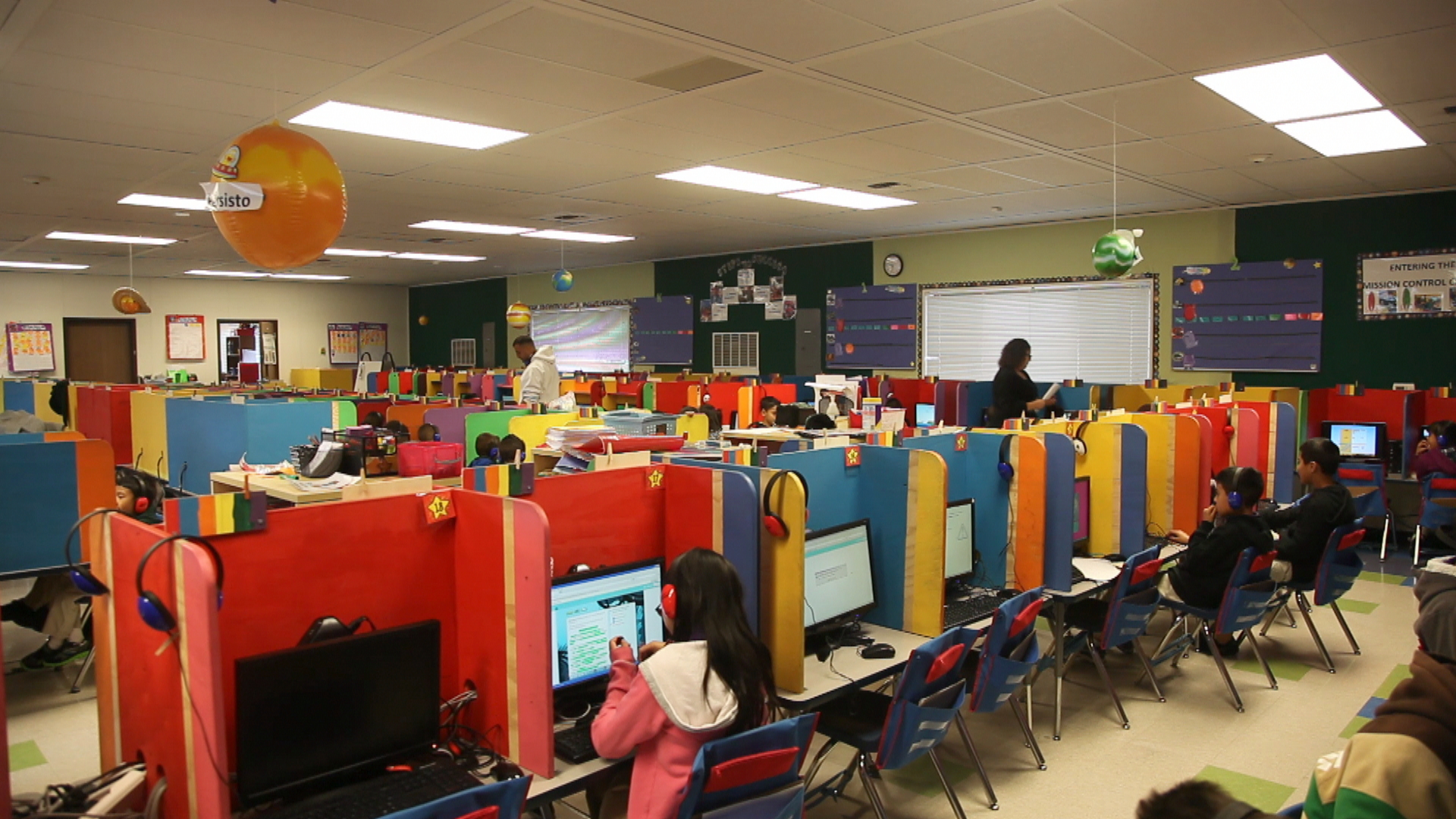 Innovative Elementary Classroom : Rocketship sí se puede mr reddy maths